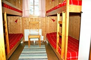 Sovrum med fyra bäddar