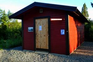 Hus för avfallshantering i Snasahögarnas fritidsby